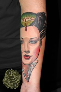 Justin Acca, Queen Tattoo